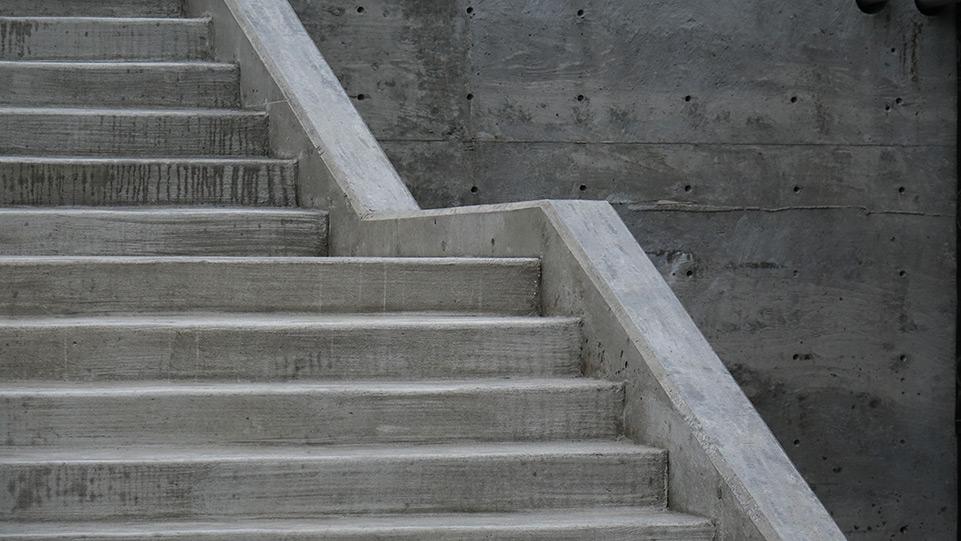 Pool at Pleasant Beach, Coast to Coast Concrete Construction built a concrete staircase
